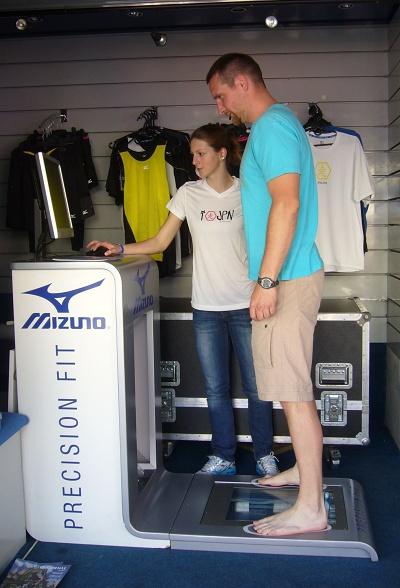 Jak vybrat správnou běžeckou obuv  Mizuno bude s diagnostikou ... ed421371e6